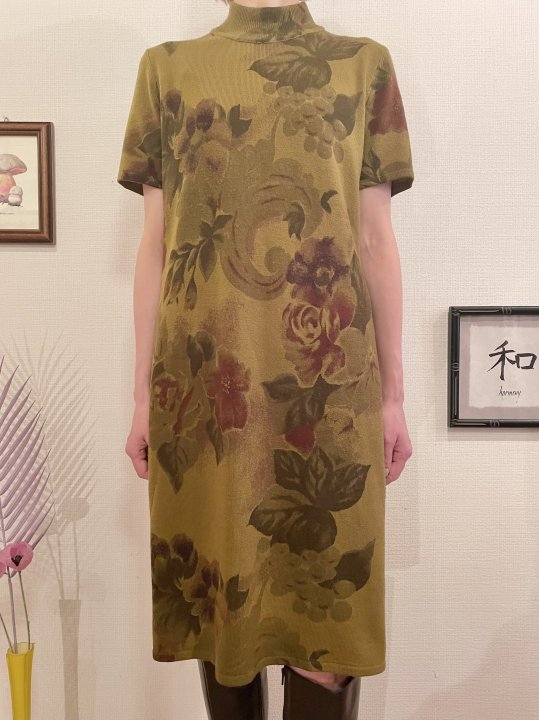Vintage Green Gold Floral Print S/S Knit Dress M<img class='new_mark_img2' src='https://img.shop-pro.jp/img/new/icons50.gif' style='border:none;display:inline;margin:0px;padding:0px;width:auto;' />