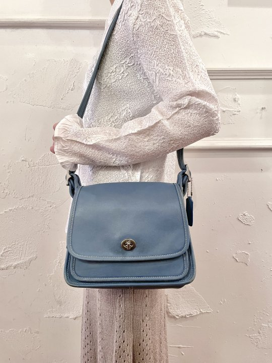 Vintage COACH Blue Gray Leather Shoulder Bag <img class='new_mark_img2' src='https://img.shop-pro.jp/img/new/icons50.gif' style='border:none;display:inline;margin:0px;padding:0px;width:auto;' />