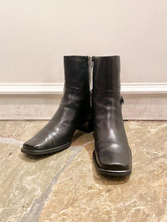 Vintage Belt Design Black Leather Heel Boots 24.0cm