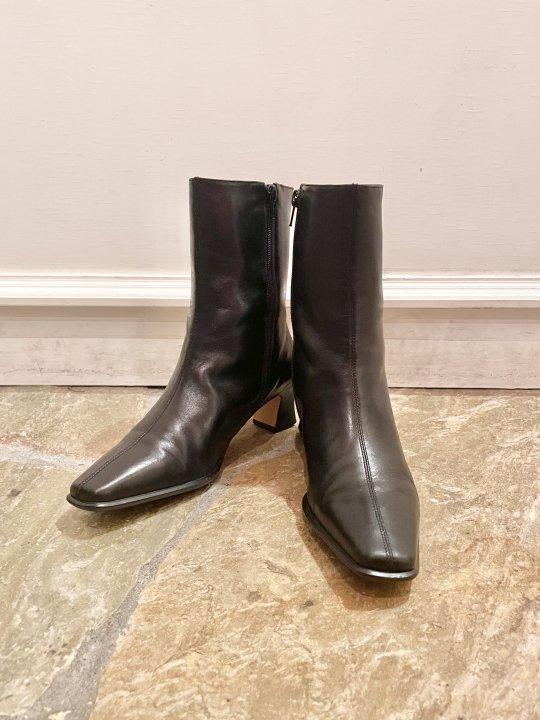 Vintage Black  Leather Heel Boots 23.5cm