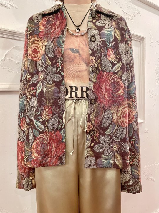 Vintage Brown Floral Jacquard Jacket M<img class='new_mark_img2' src='https://img.shop-pro.jp/img/new/icons50.gif' style='border:none;display:inline;margin:0px;padding:0px;width:auto;' />