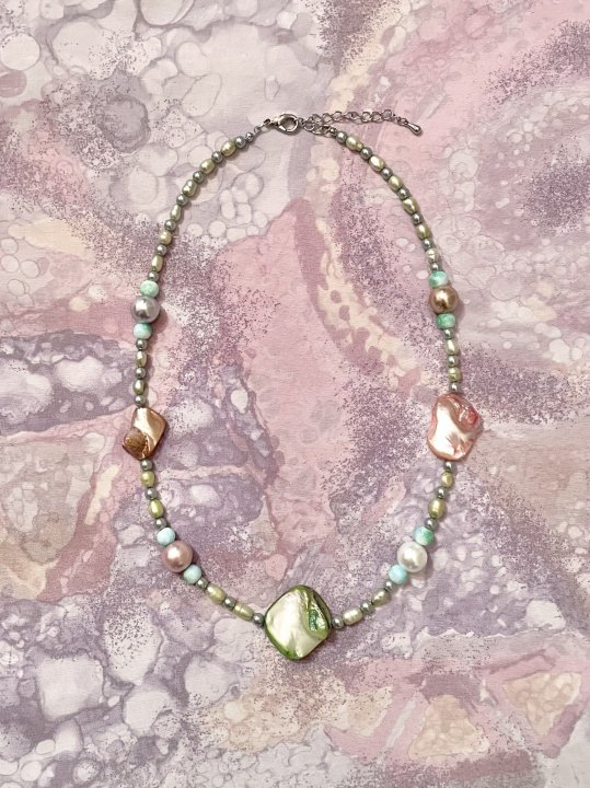 Upcycled Pearl Necklace Metallic Green