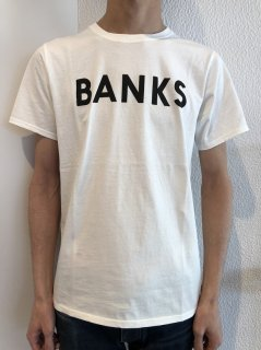 <img class='new_mark_img1' src='https://img.shop-pro.jp/img/new/icons26.gif' style='border:none;display:inline;margin:0px;padding:0px;width:auto;' />BANKS Tシャツ